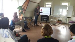 Presentatie van de Fruitmotor aan de wetenschappers